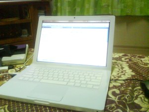 Macbook~
