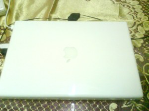 Macbook White~